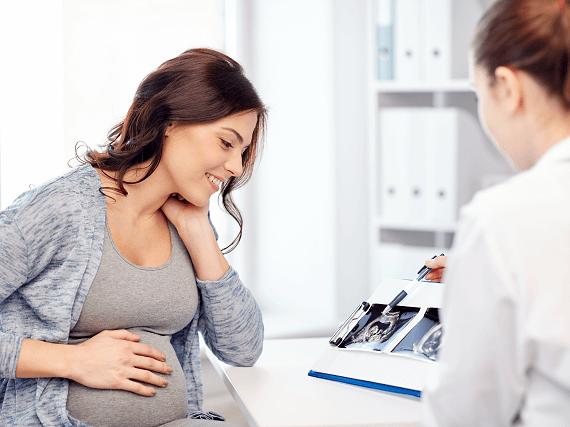 Žena na tehotenskej prehliadke u lekára